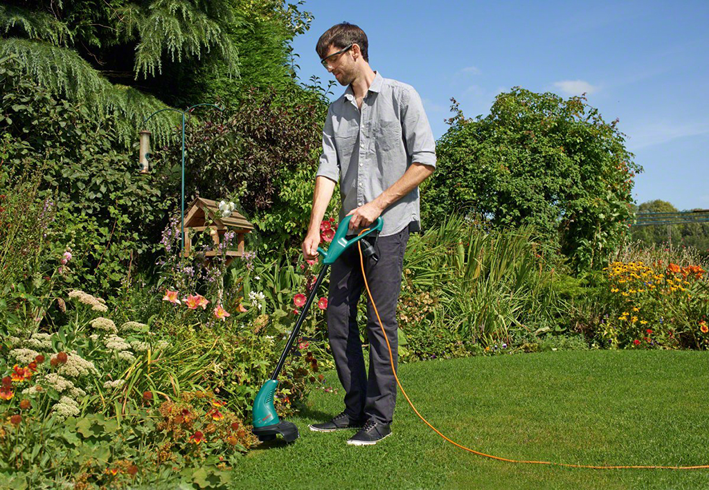 Feature photo 2 of BOSCH ART 23 SL GRASS TRIMMER<br>BOSCH ART 23 SL ម៉ូទ័រកាត់ស្មៅ